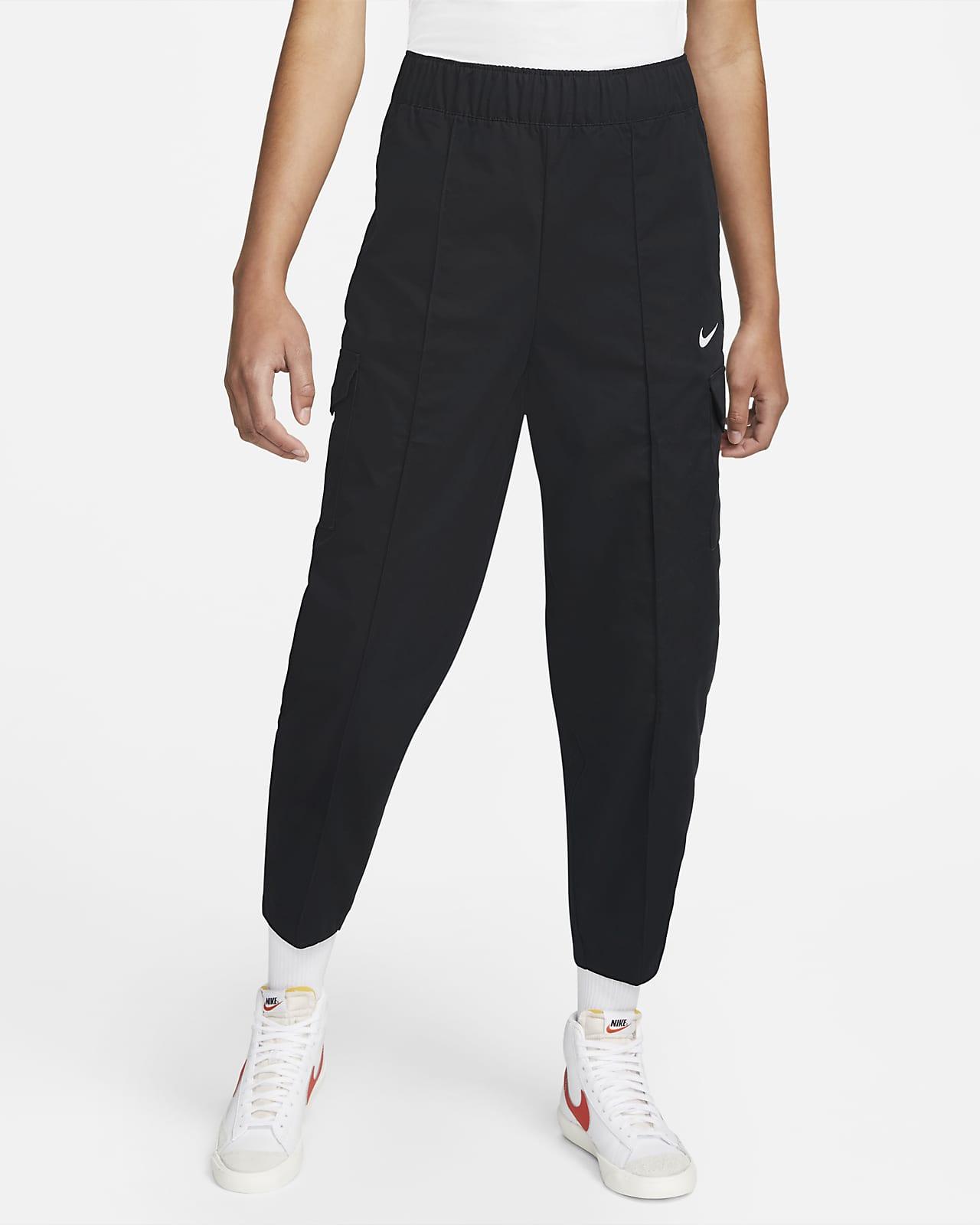 Nike Sportswear Essentials Women's Curve Woven High-Rise Pants