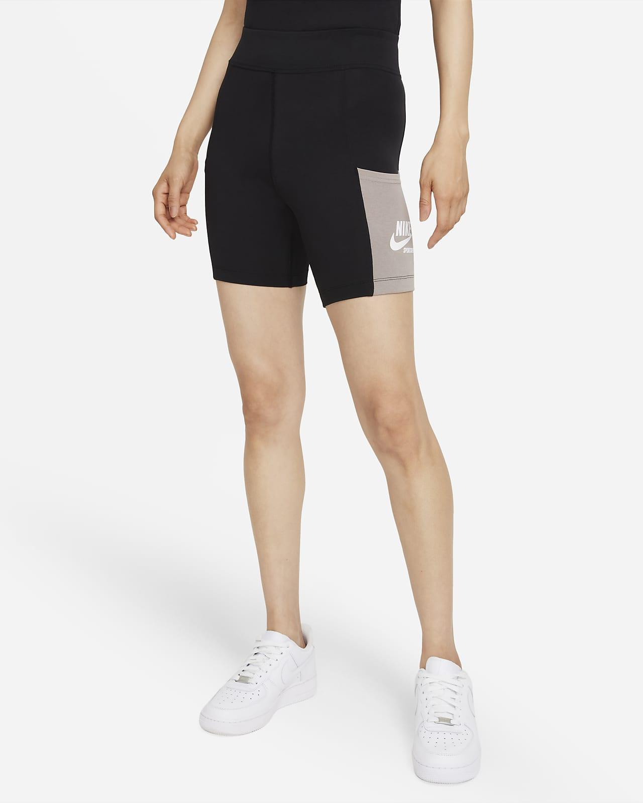 กางเกงปั่นจักรยานขาสั้นผู้หญิง Nike Sportswear Heritage