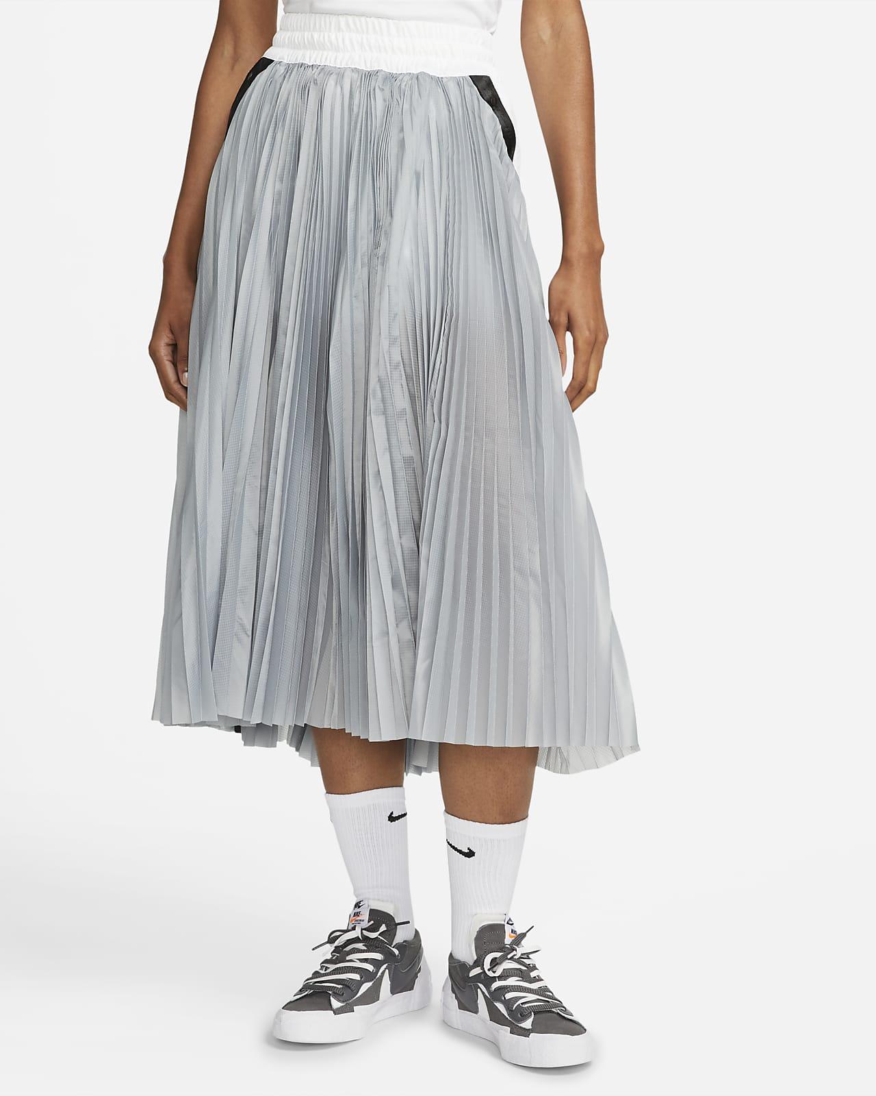 กระโปรงผู้หญิง Nike x sacai