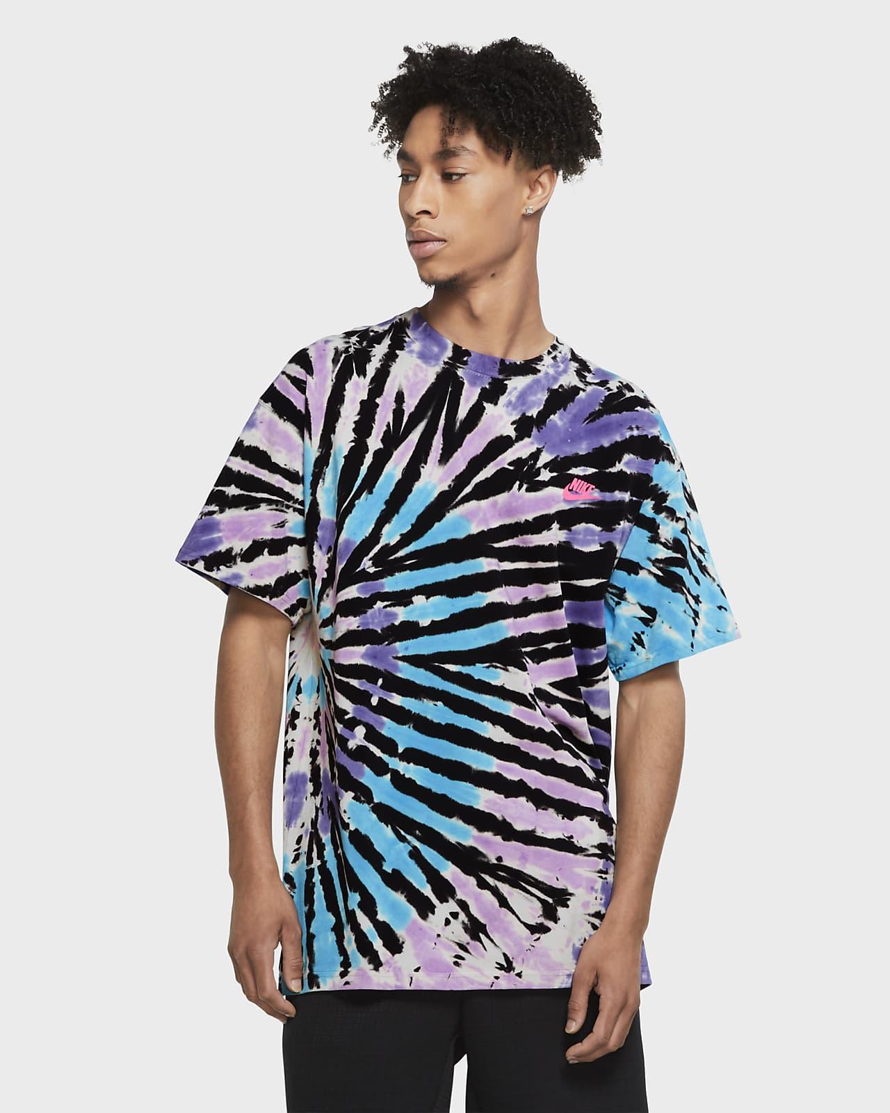 T-shirt Nike Sportswear med batikmönster för män