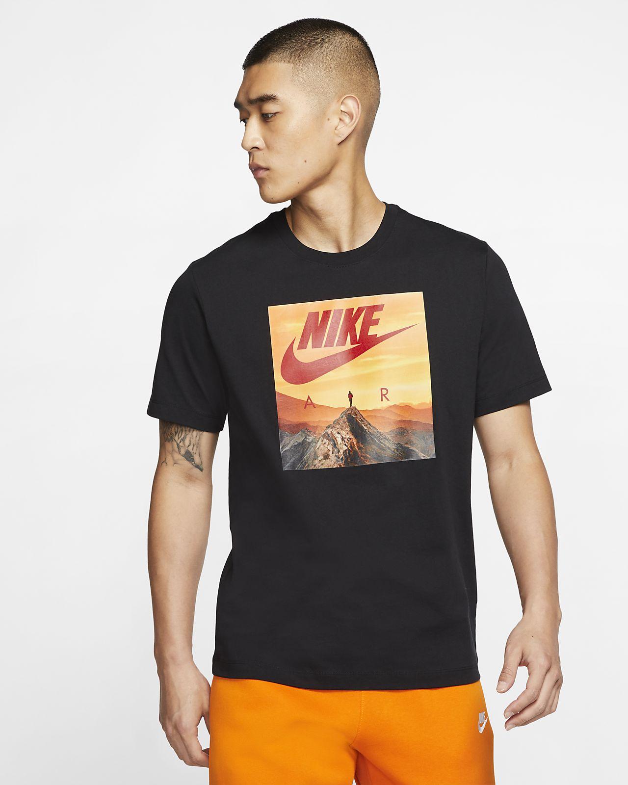 Nike Air 男款 T 恤