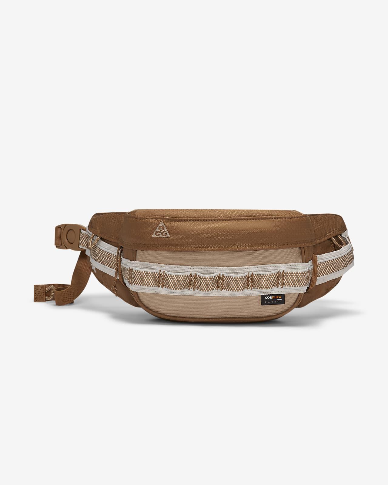 Nike ACG Karst Small Items 单肩包