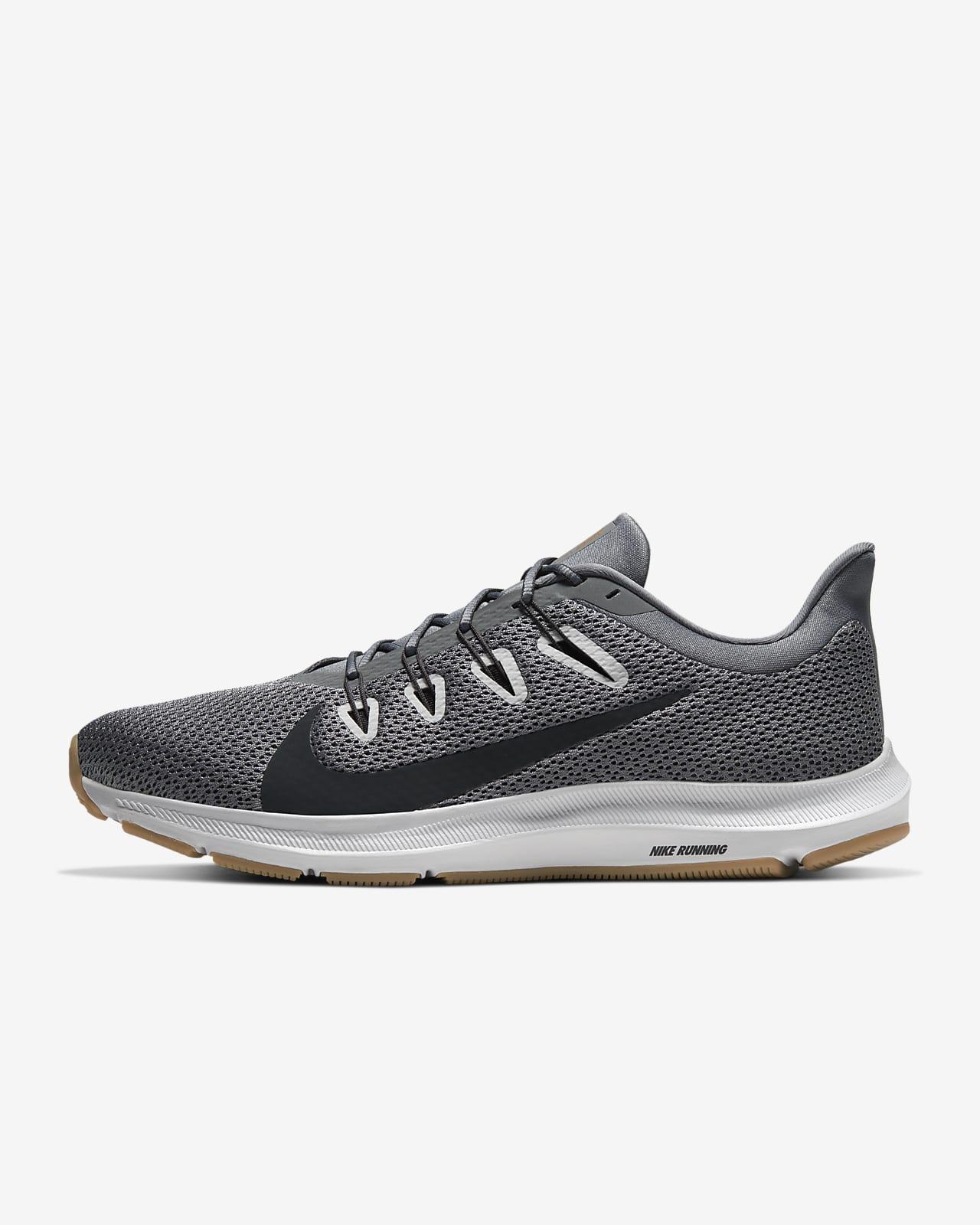 รองเท้าวิ่งผู้ชาย Nike Quest 2