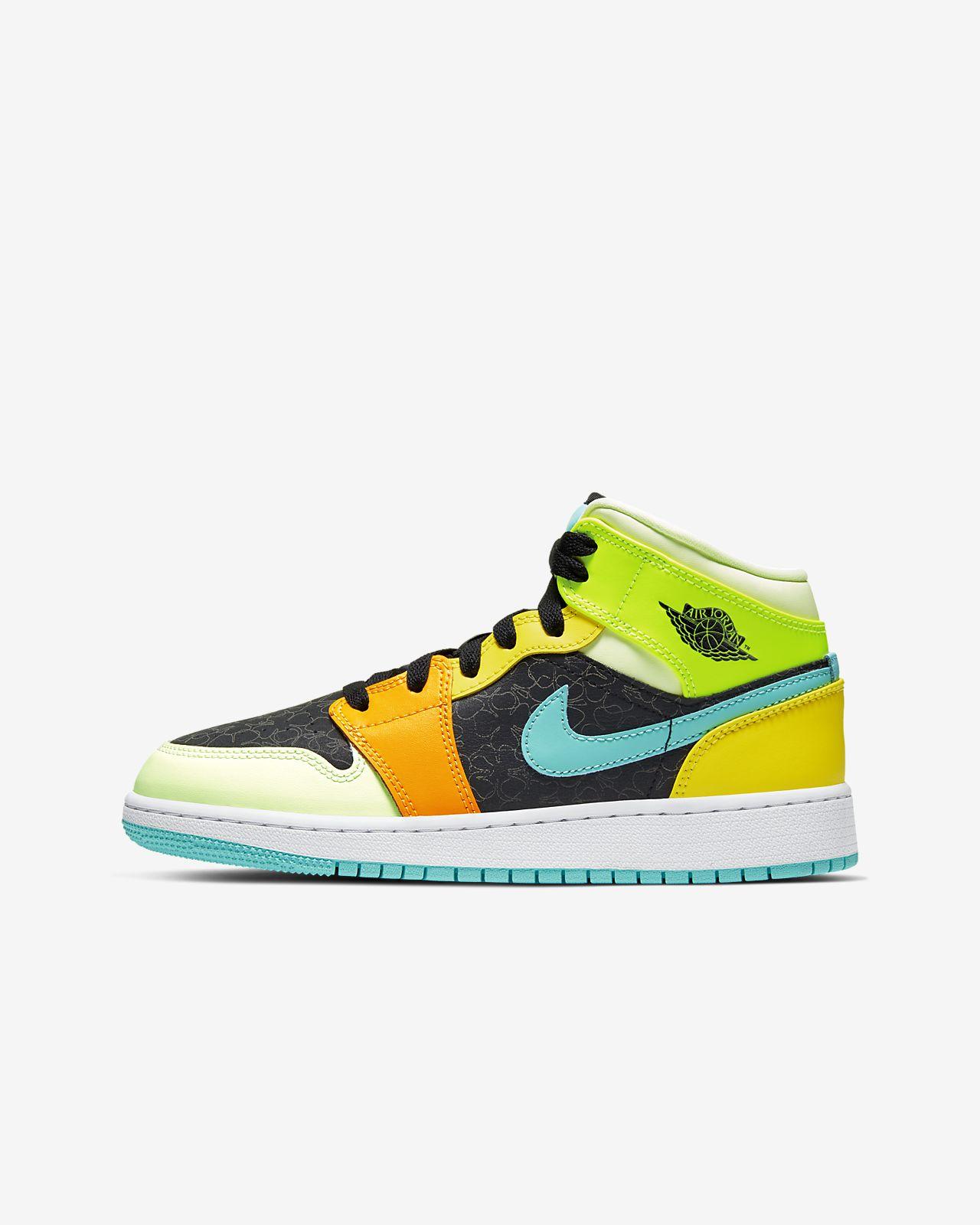 Air Jordan 1 Mid SE Big Kids' Shoe