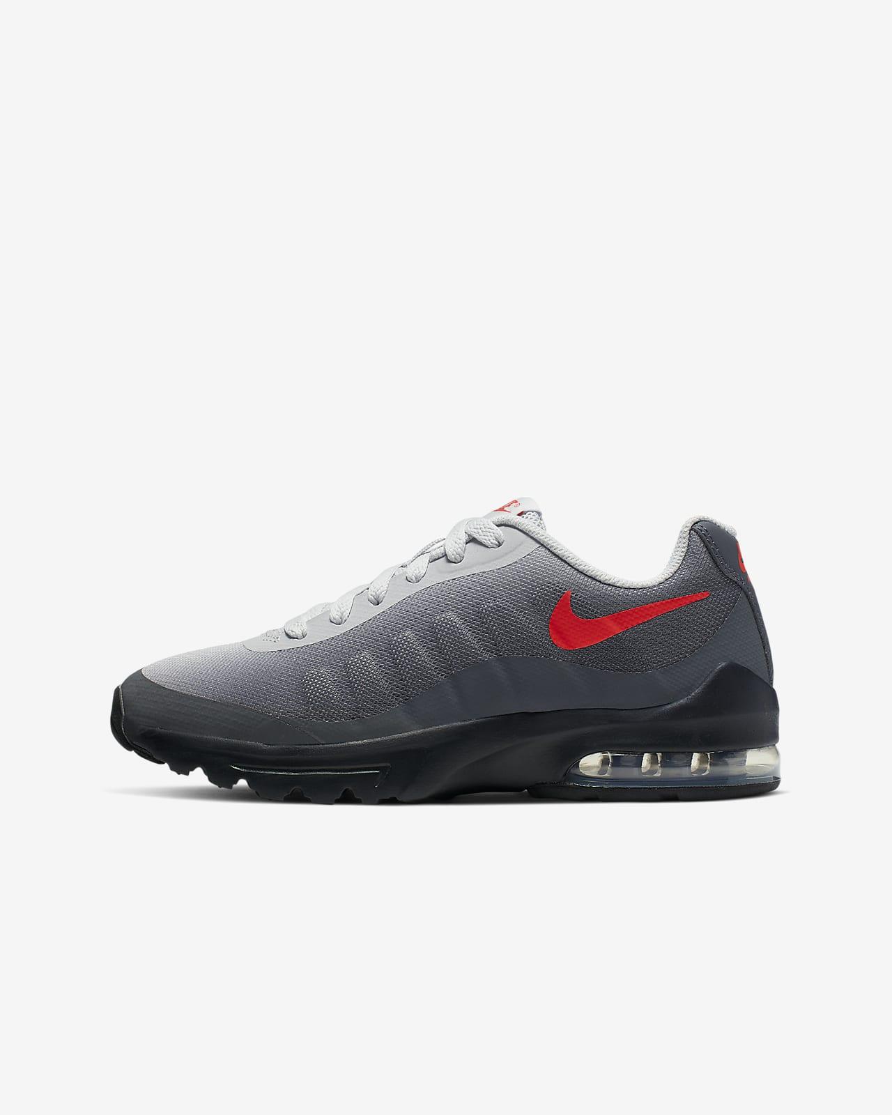 Formgivare Nike Kvinnor Sneakers Air Max Invigor i svart
