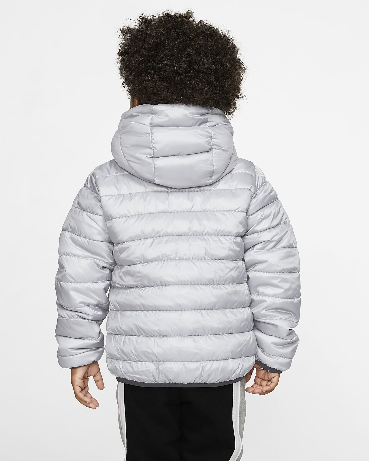 Vendbar Nike dynejakke til småbørn. Nike DK
