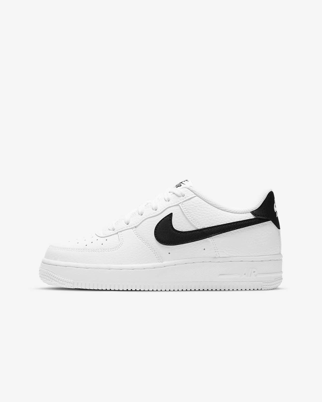 Nike Air Force 1 Older Kids' Shoes