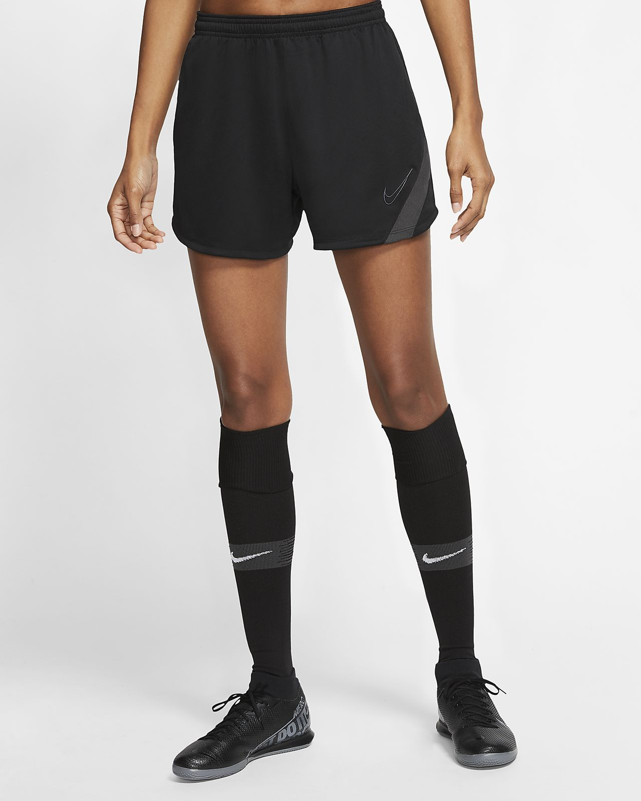 Nike Dri-FIT Academy Pro Women's Football Shorts