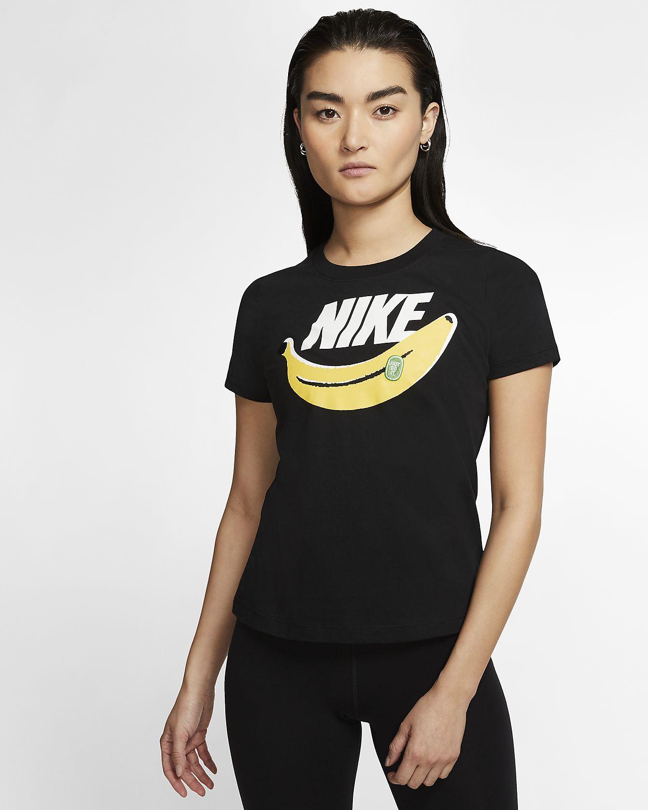 Nike Sportswear mintás női póló