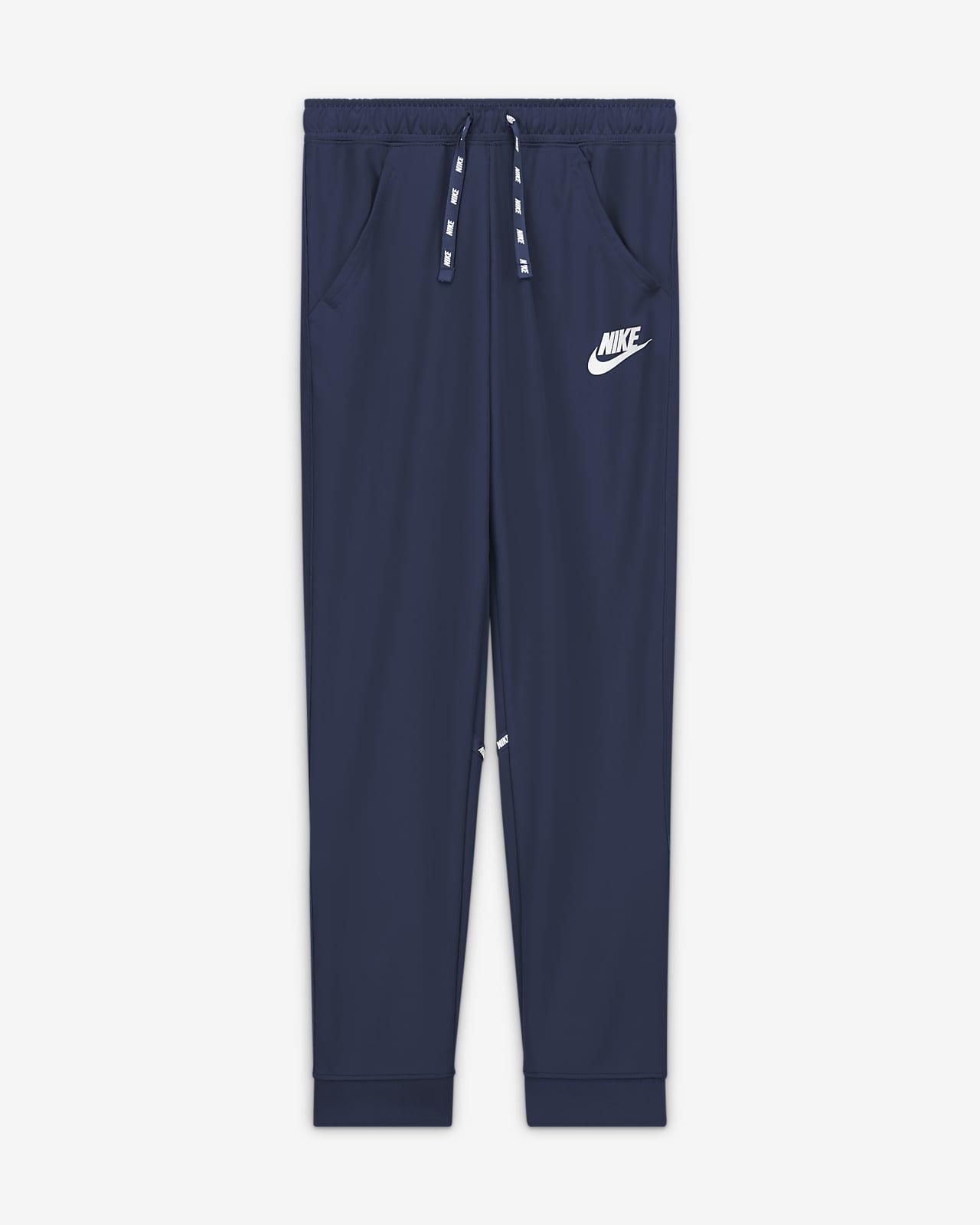 Nike Sportswear Bileğe Doğru Daralan Genç Çocuk (Erkek) Eşofman Altı