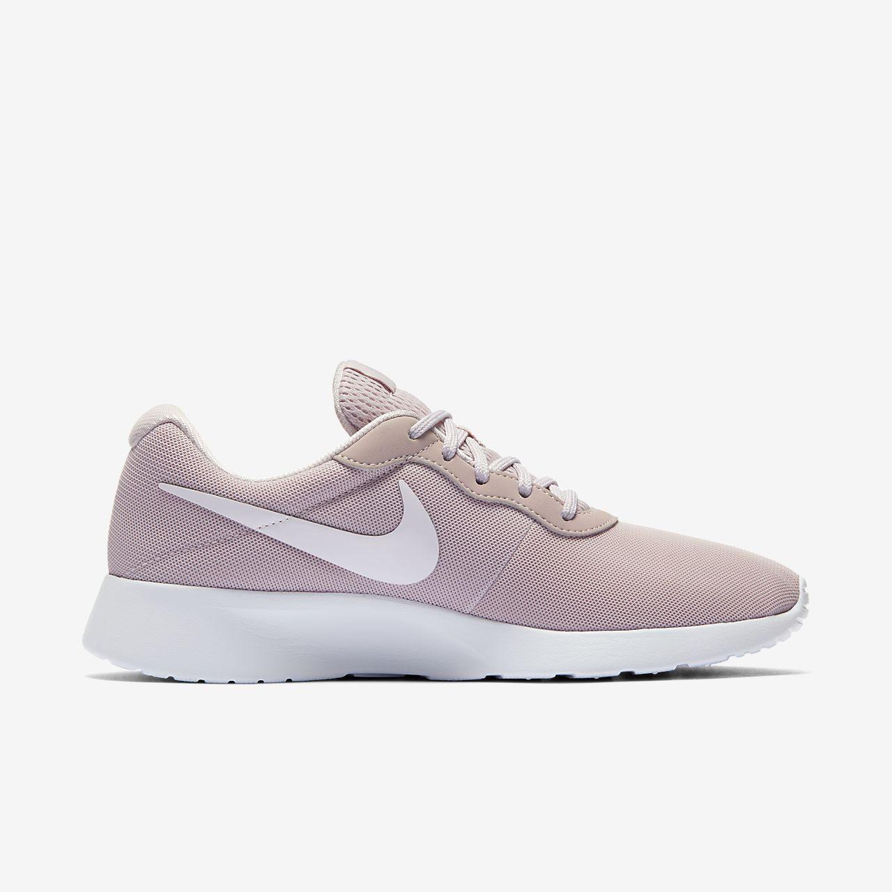 Nike Tanjun Sneaker for Women (Black 41 EU) : Buy Online
