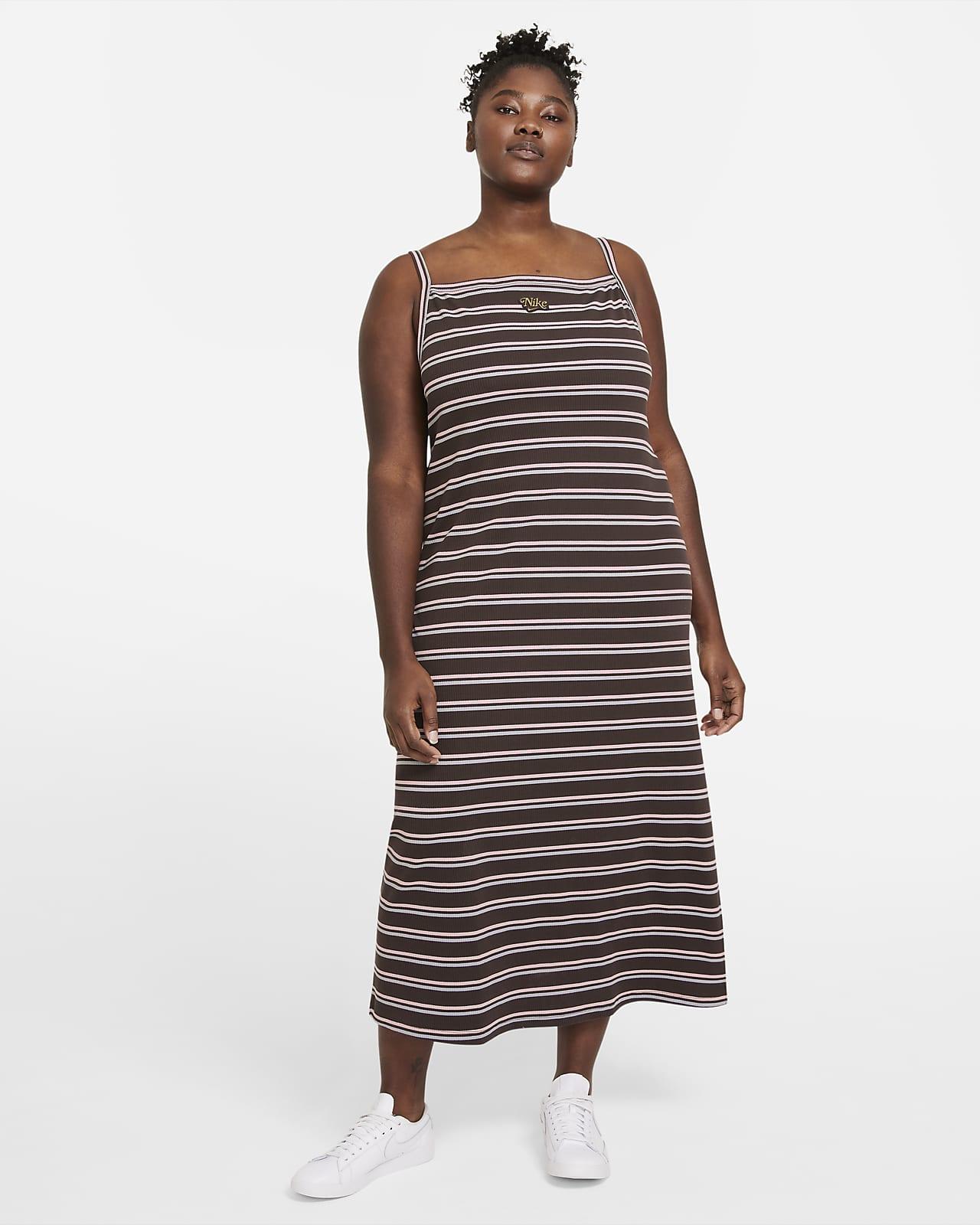 Vestido Nike Sportswear Femme para mulher (tamanho Plus)