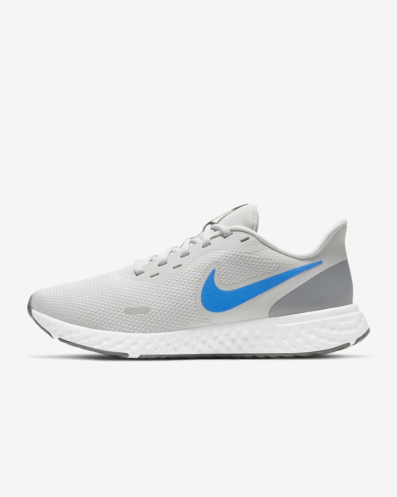 รองเท้าวิ่งผู้ชาย Nike Revolution 5