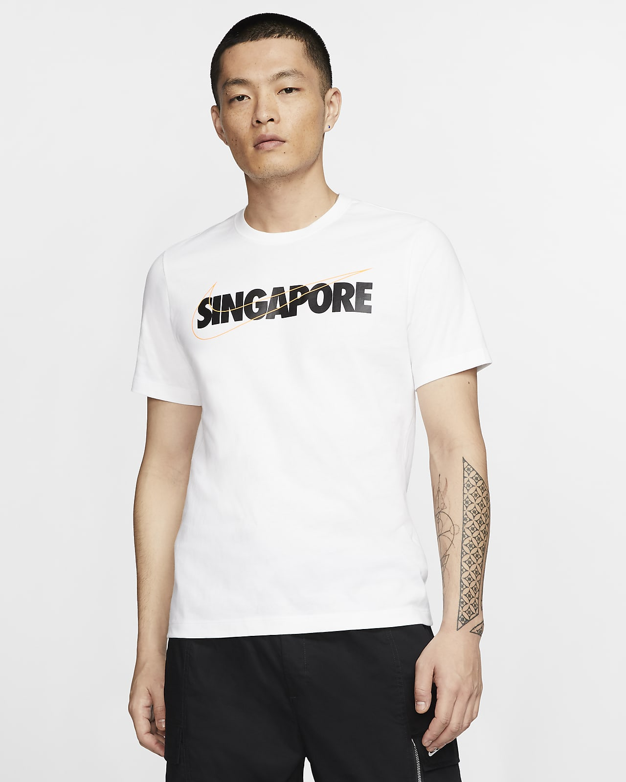 เสื้อยืด Swoosh ผู้ชาย Nike Sportswear