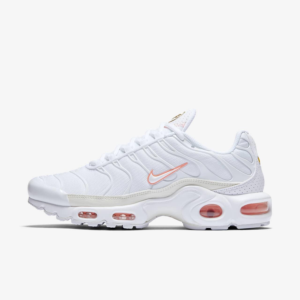 Air Max Plus Shoes. Nike GB
