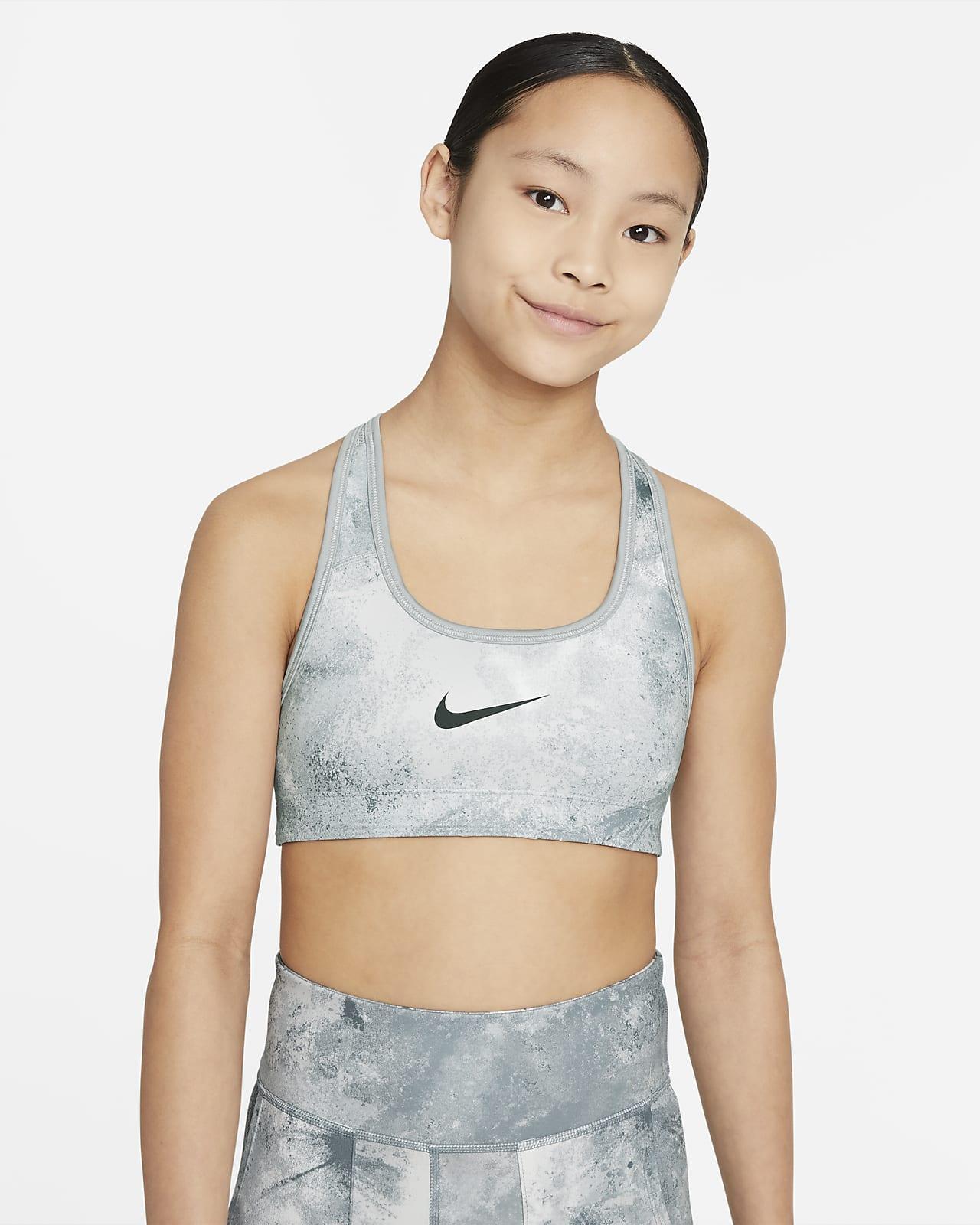 Εμπριμέ αθλητικός στηθόδεσμος διπλής όψης με εφέ tie-dye Nike Swoosh για μεγάλα κορίτσια