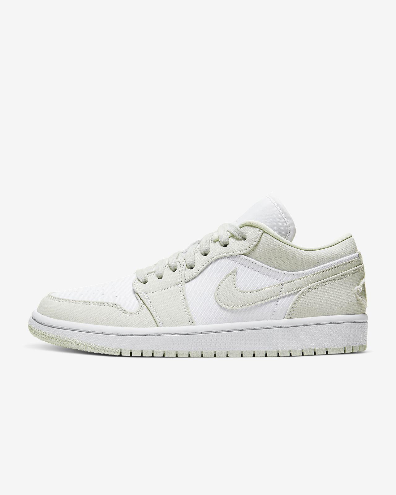 รองเท้าผู้หญิง Air Jordan 1 Low