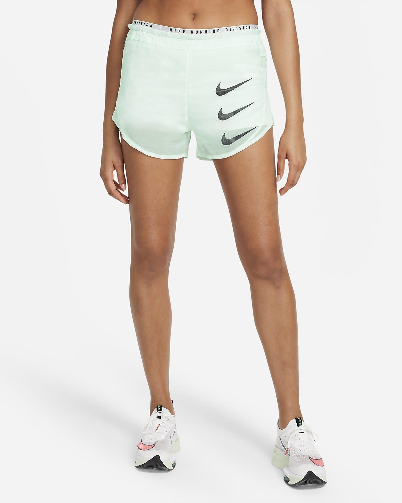 Nike Tempo Luxe Run Division Pantalón corto de running 2 en 1 - Mujer