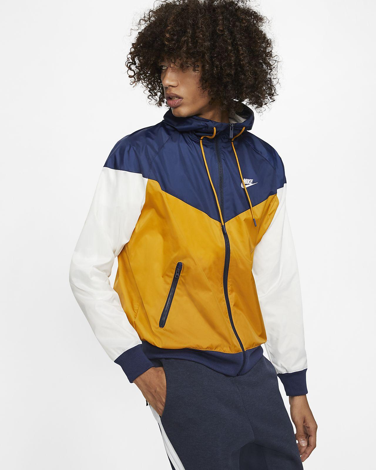 Giacca a vento con cappuccio Nike Sportswear Windrunner. Nike CH