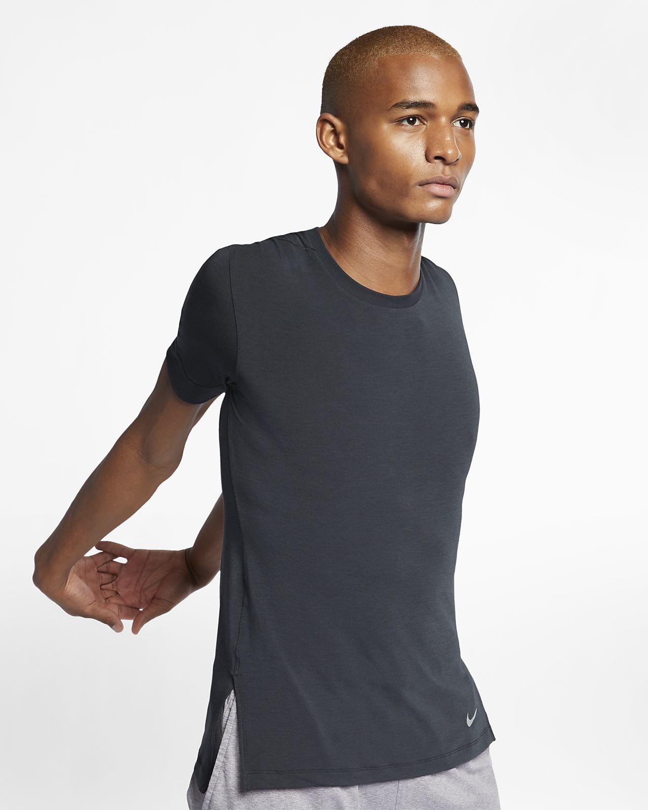 เสื้อเทรนนิ่งโยคะแขนสั้นผู้ชาย Nike Dri-FIT