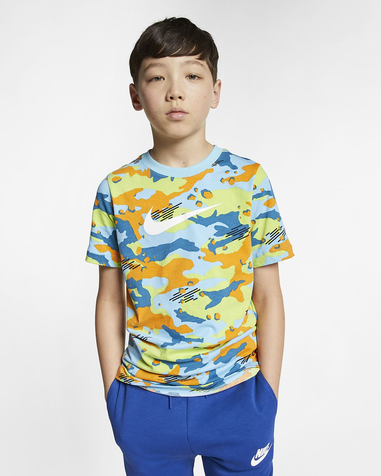 Playera camuflada para niño talla grande Nike Sportswear