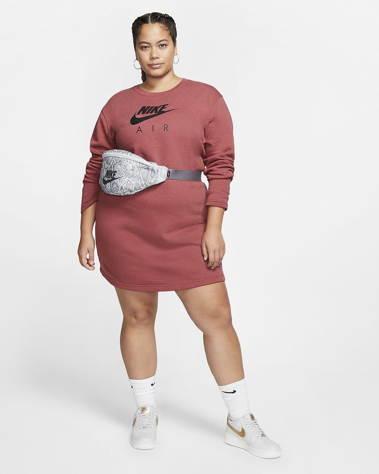 Sukienka damska Nike Sportswear Varsity (duże rozmiary)