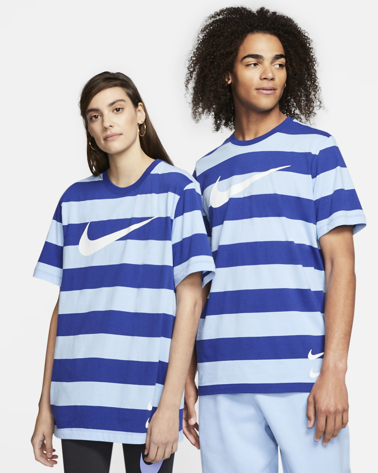 Nike Sportswear Swoosh 男款條紋 T 恤