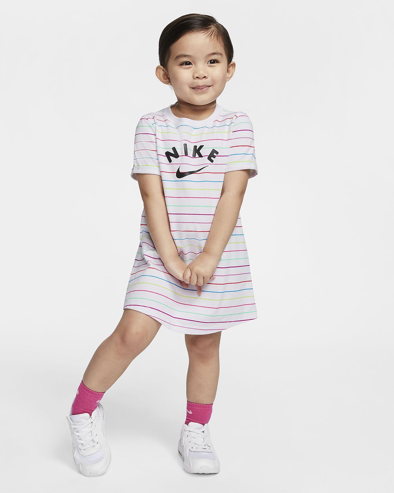 Klänning Nike Sportswear för små barn