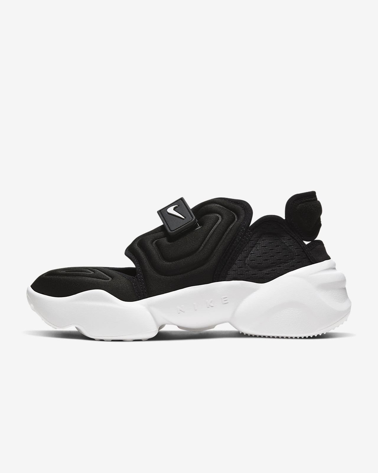 รองเท้าผู้หญิง Nike Aqua Rift