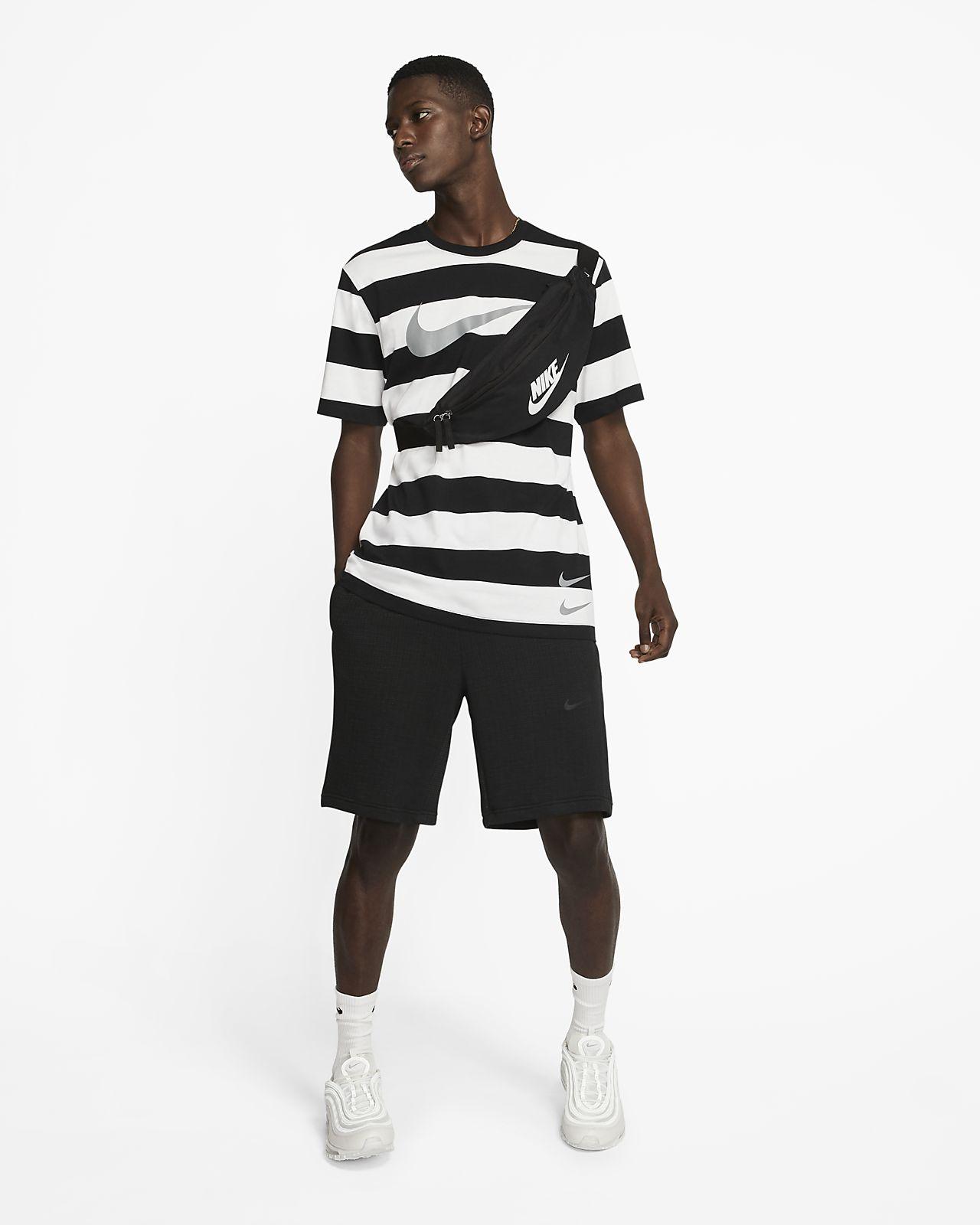 Tee shirt à rayures Nike Sportswear Swoosh pour Homme