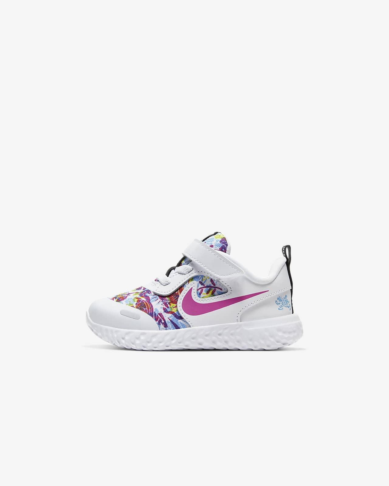 Nike Revolution 5 Fable Schoen voor baby'speuters
