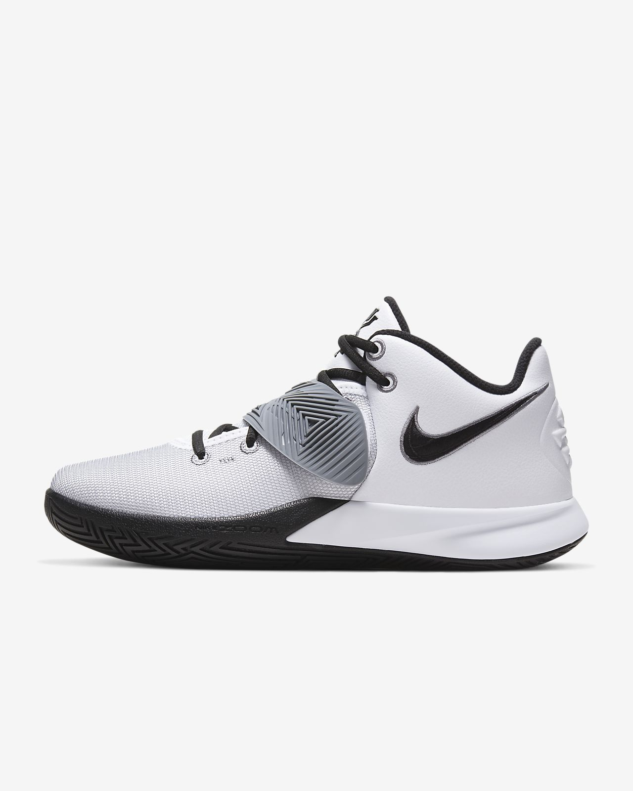Kyrie Flytrap 3 Basketball Shoe