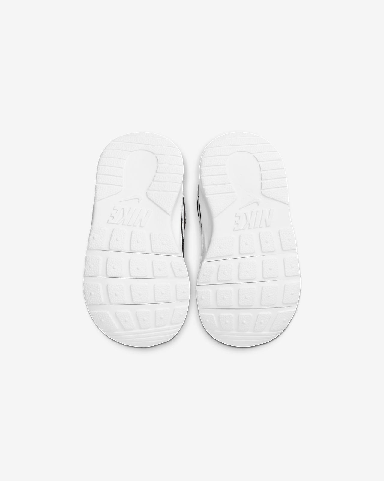 chaussure enfant nike 27