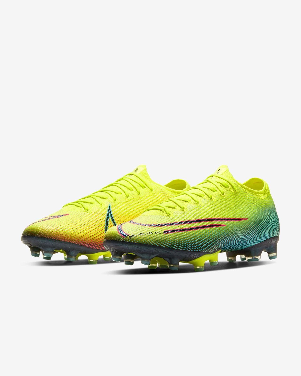 Scarpa da calcio per erba artificiale Nike Mercurial Vapor