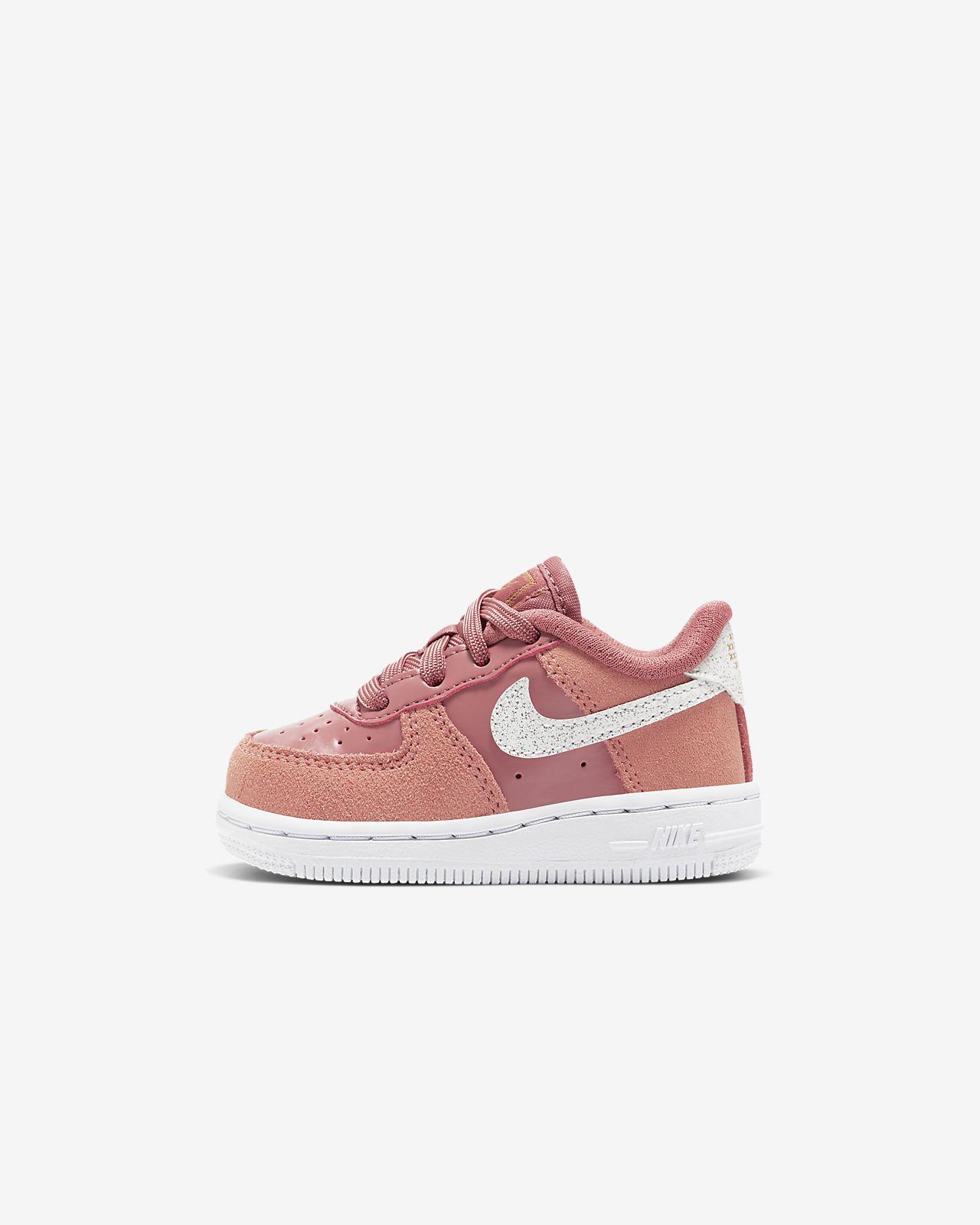Nike Force 1 LV8 情人節嬰幼兒鞋款