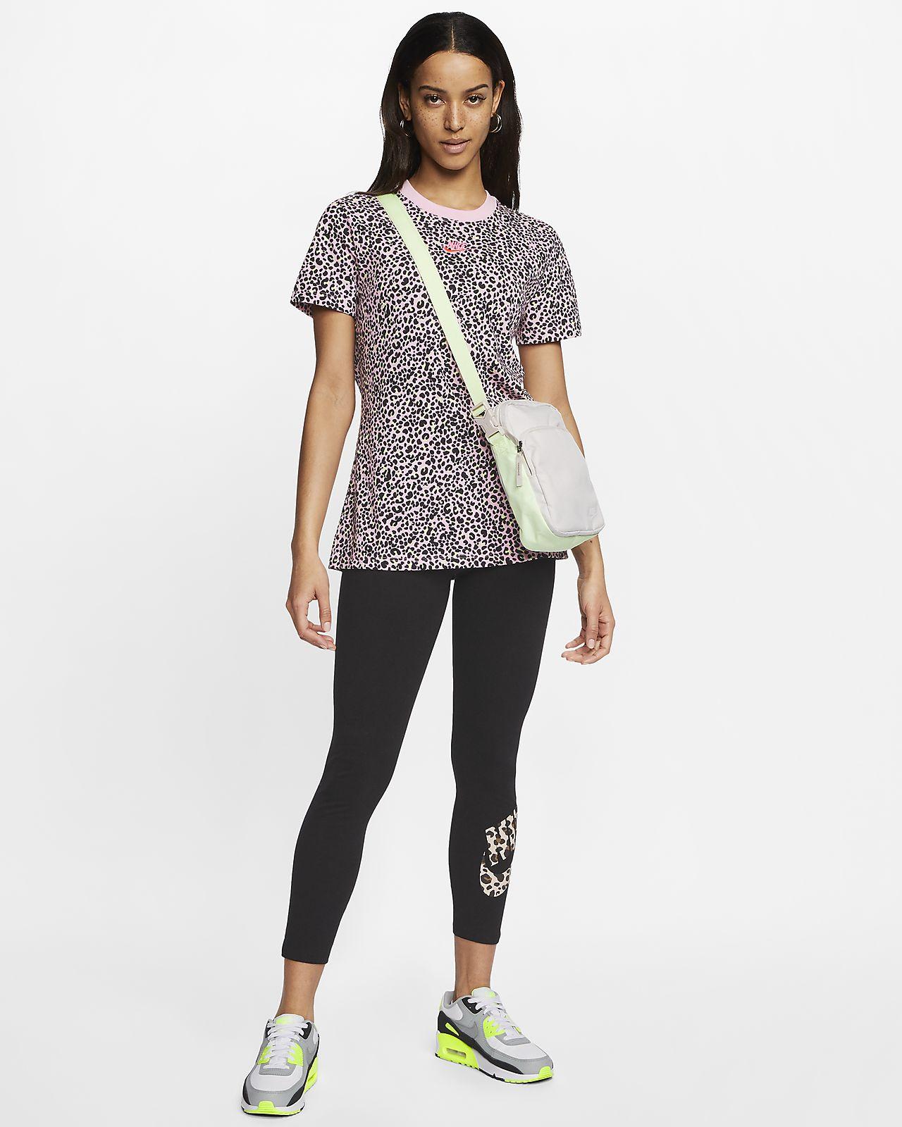 T shirt con stampa animalier Nike Sportswear Donna. Nike IT