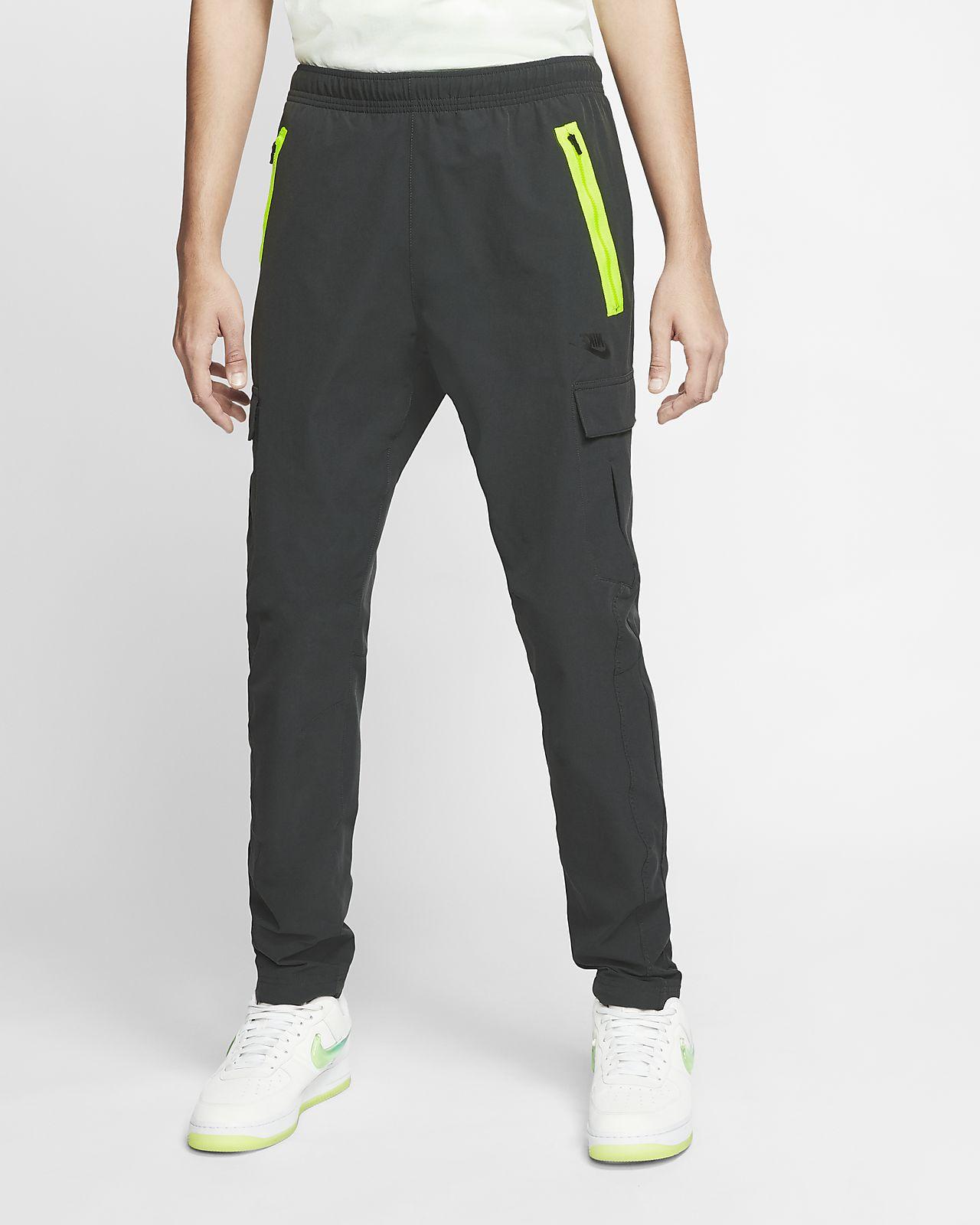 Nike Sportswear Men's Woven Trousers. Nike NO