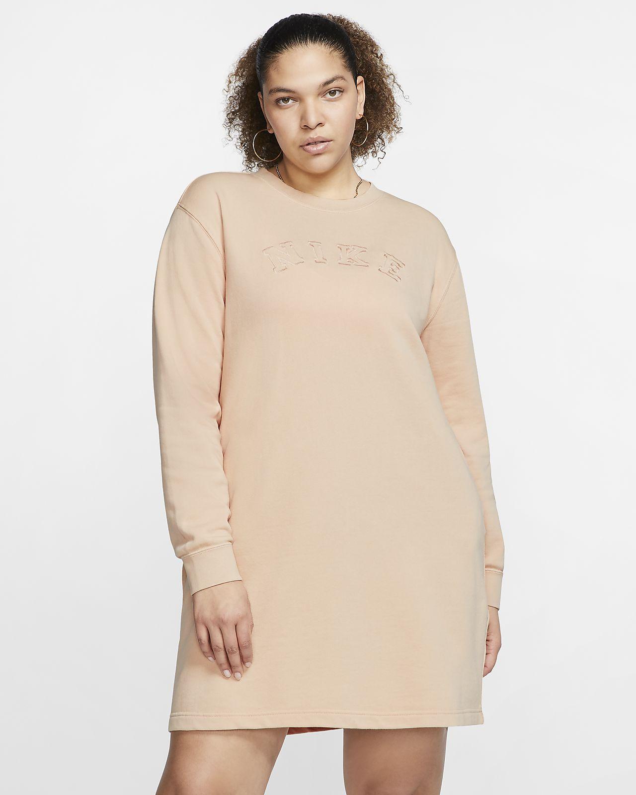 Dámské šaty Nike Sportswear zfrancouzského froté (větší velikost)