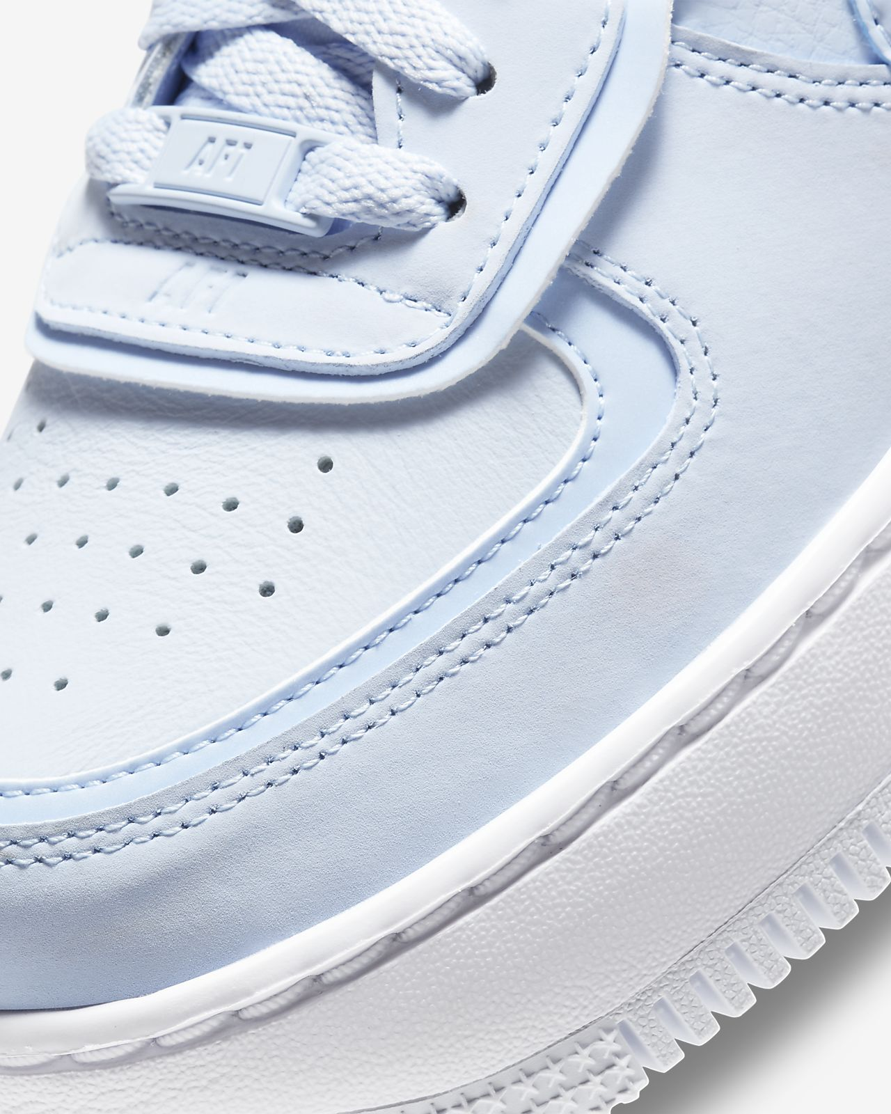 air force one bleu pastel femme