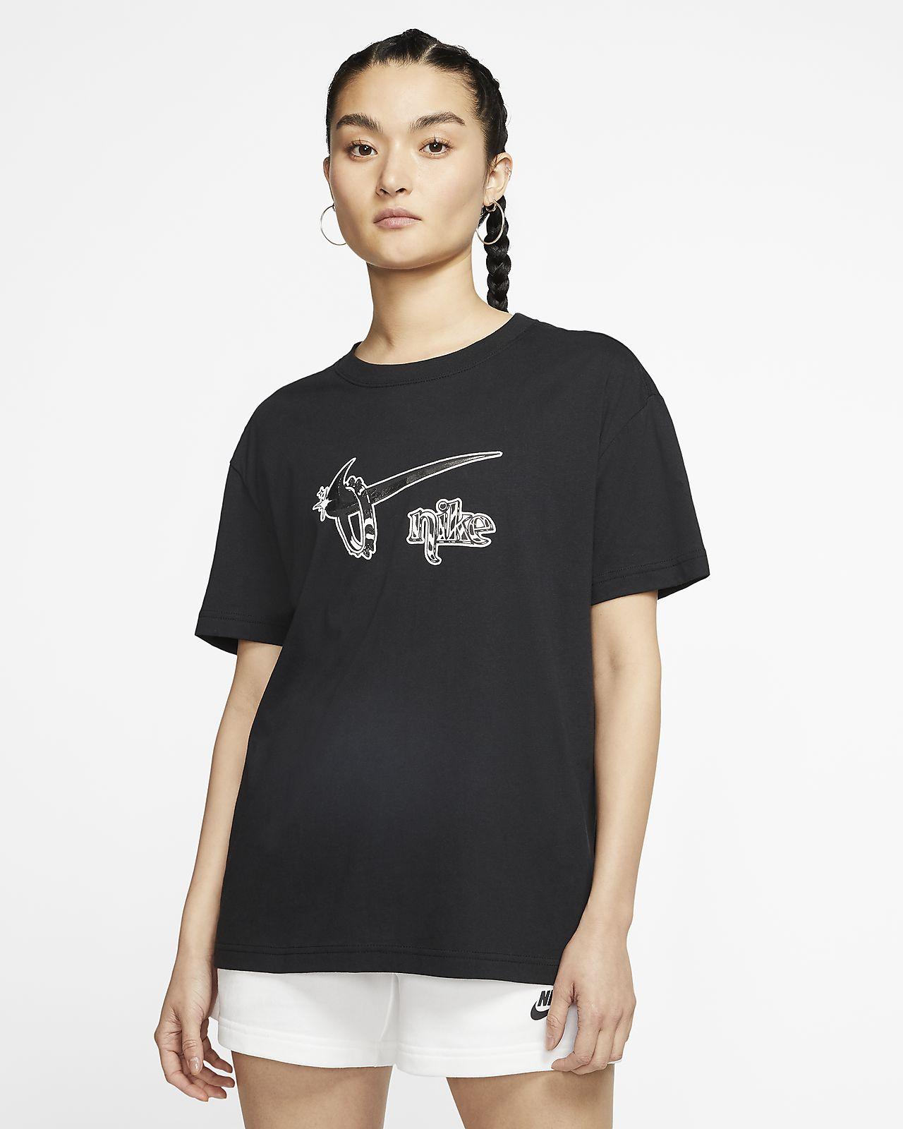 Nike Sportswear Boyfriend Fit 女子T恤
