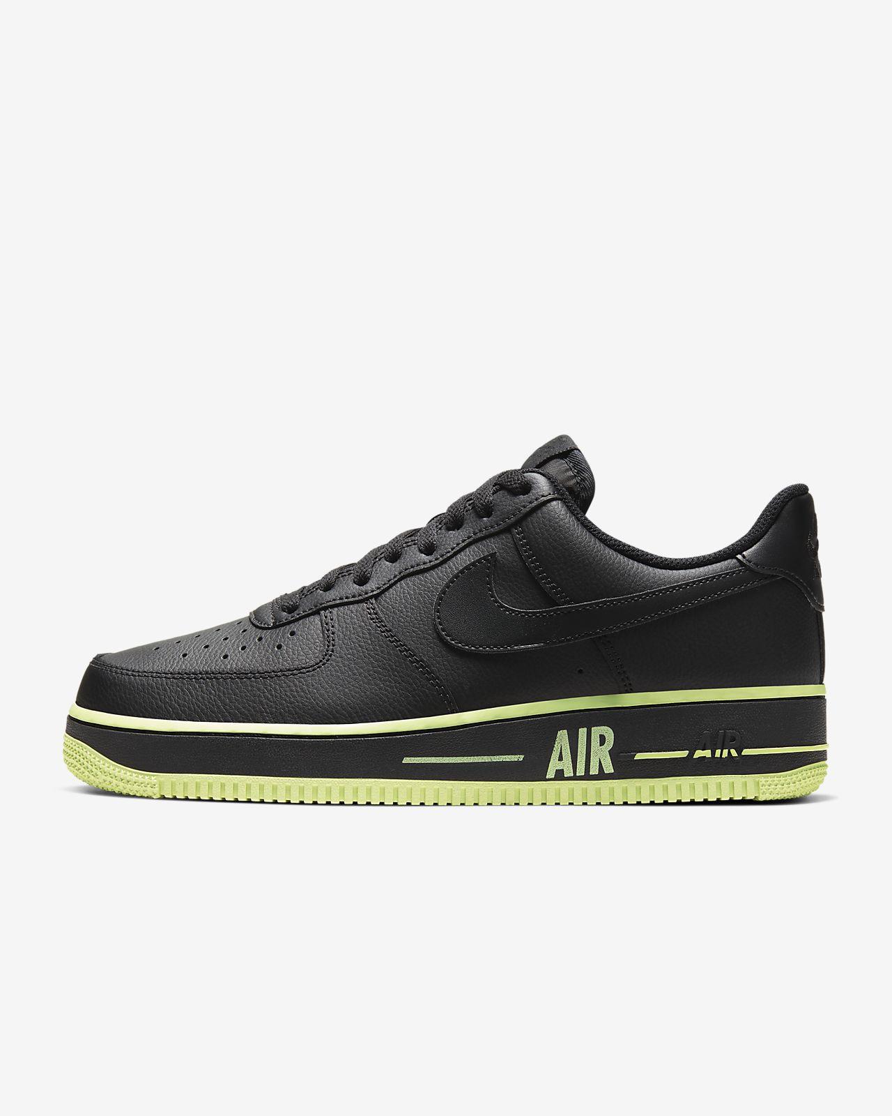 Calzado para hombre Nike Air Force 1 '07 3