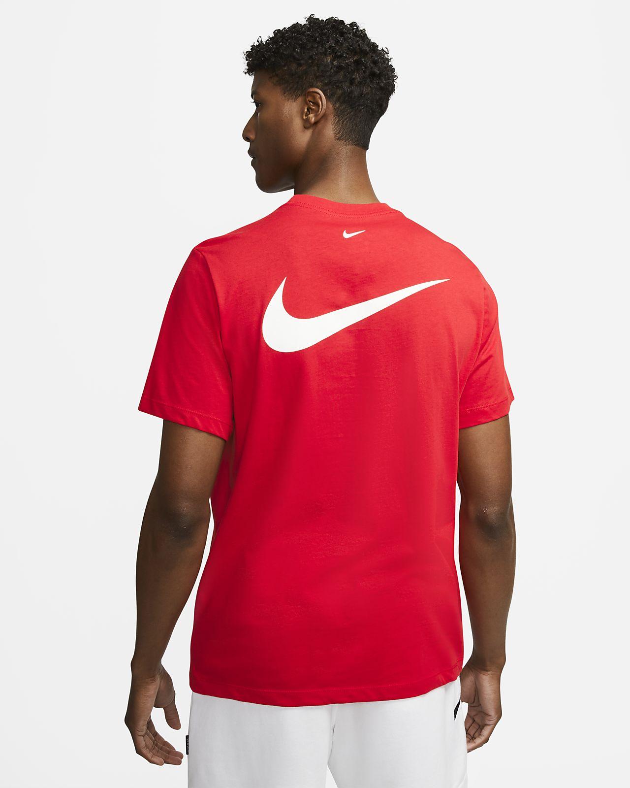Nike Sportswear Swoosh Herren T Shirt. Nike AT