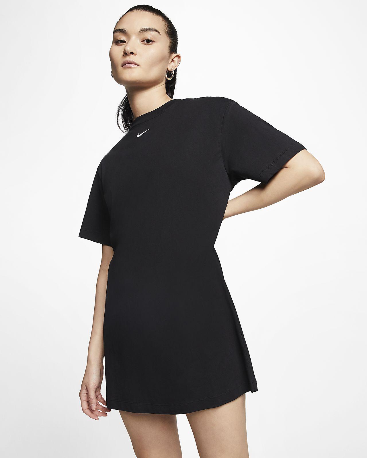 Nike Sportswear Essential 女款洋裝
