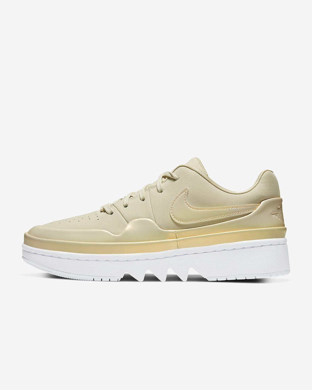 รองเท้าผู้หญิง Air Jordan 1 Jester XX Low Laced SE