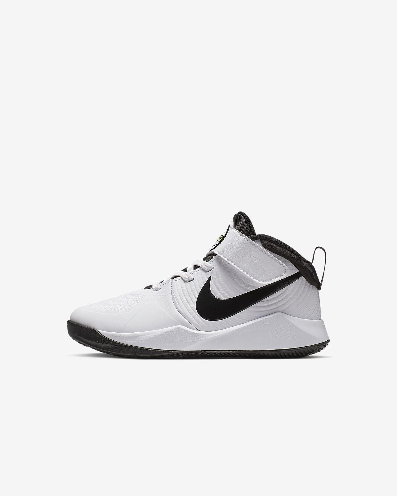 Nike Team Hustle D 9 Schuh für jüngere Kinder