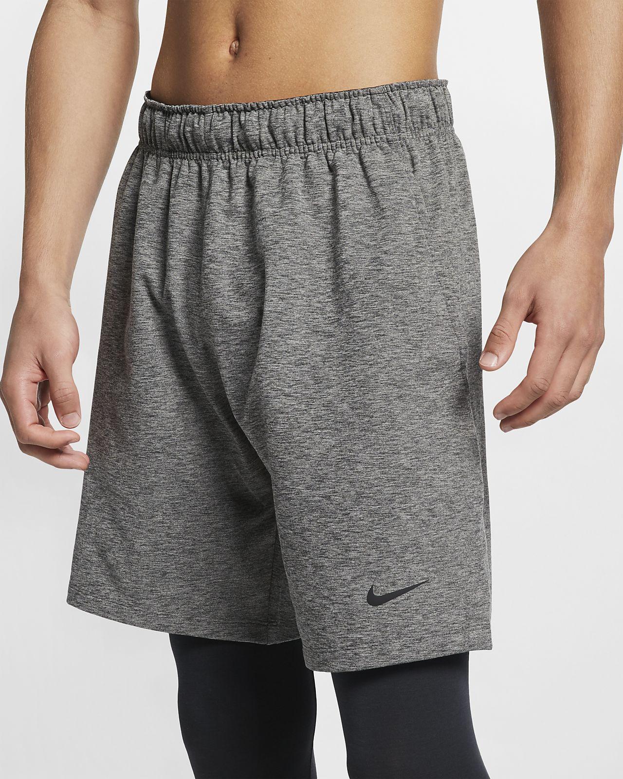 กางเกงขาสั้นเทรนนิ่งโยคะผู้ชาย Nike Dri-FIT