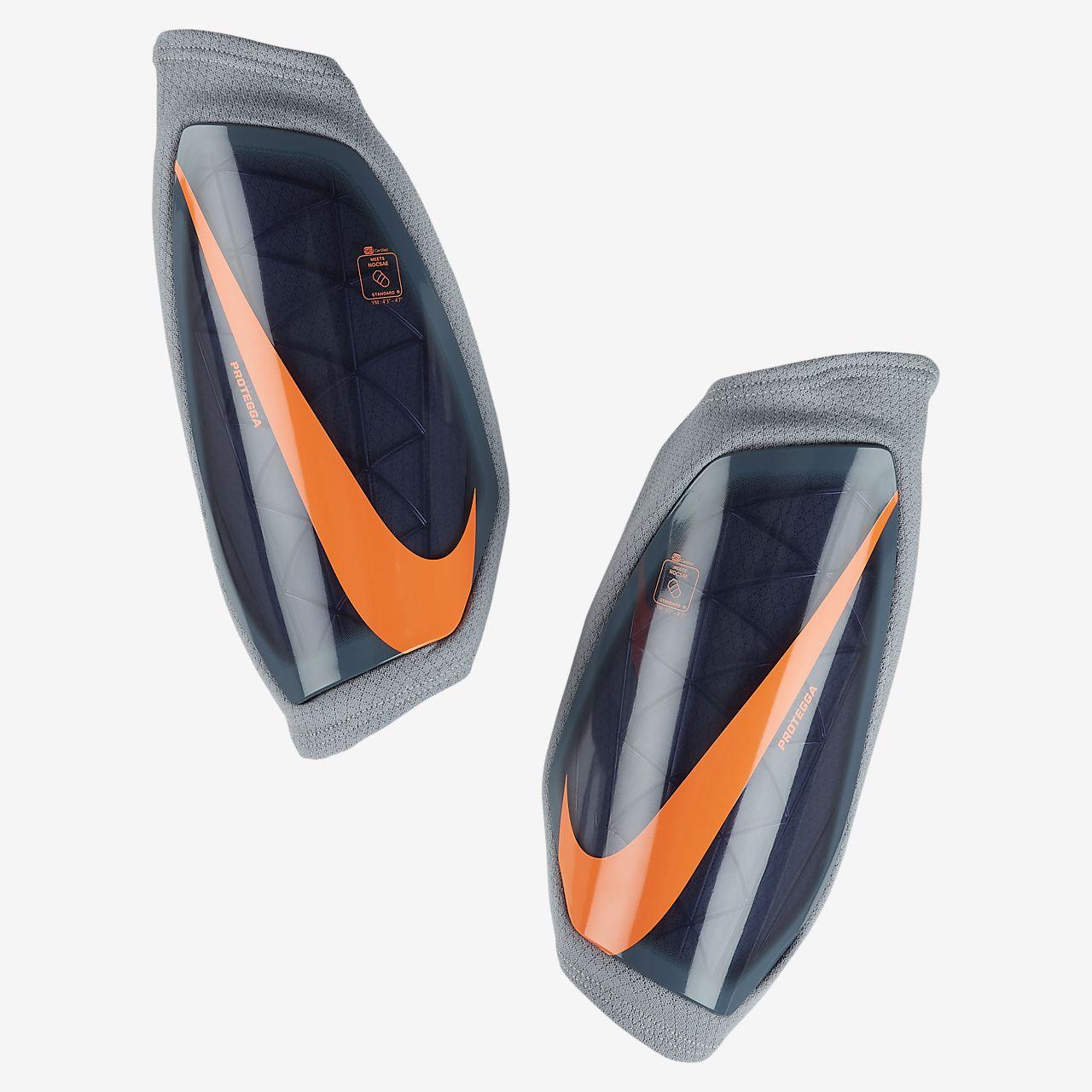 Детские футбольные щитки Nike Protegga