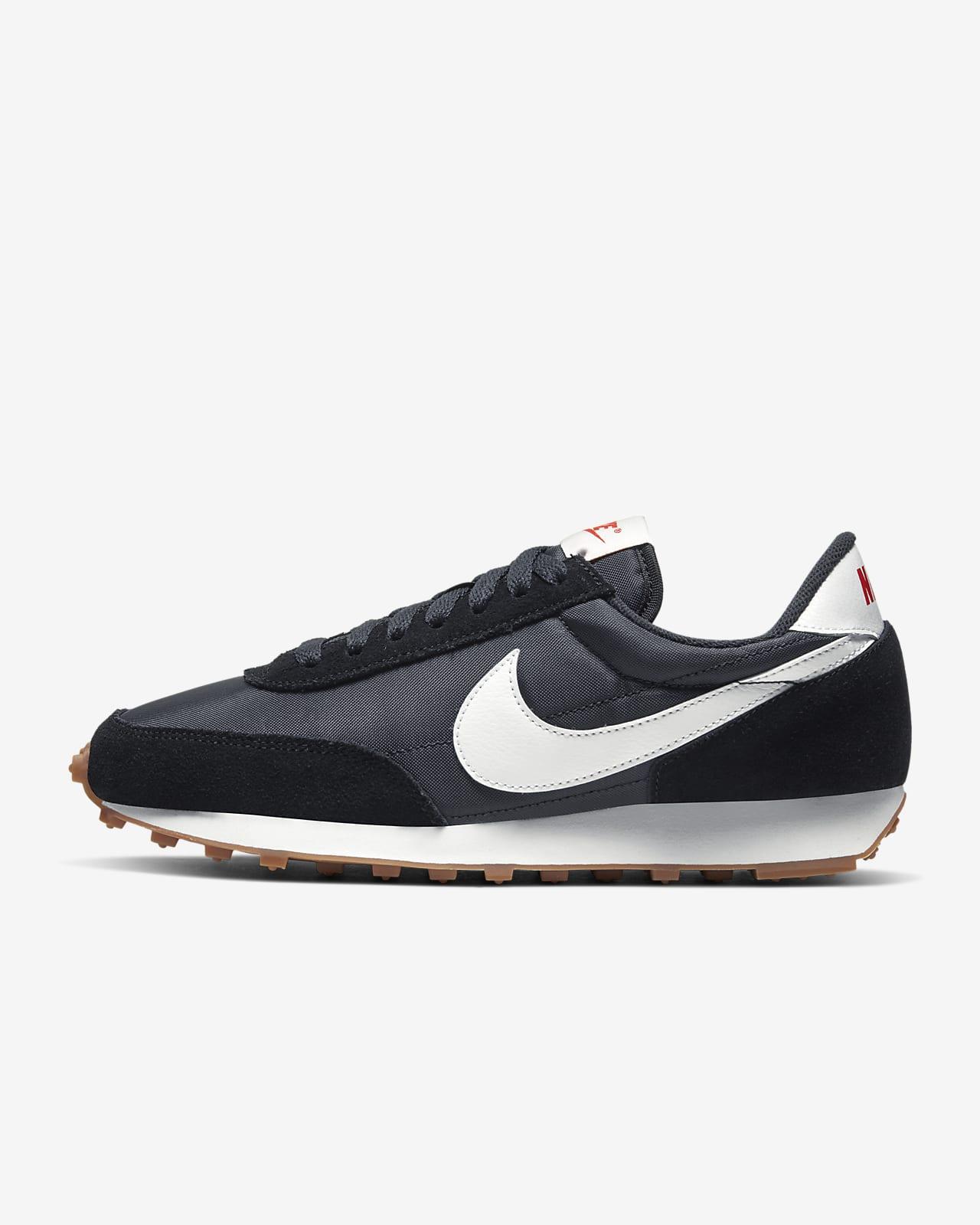 รองเท้าผู้หญิง Nike Daybreak