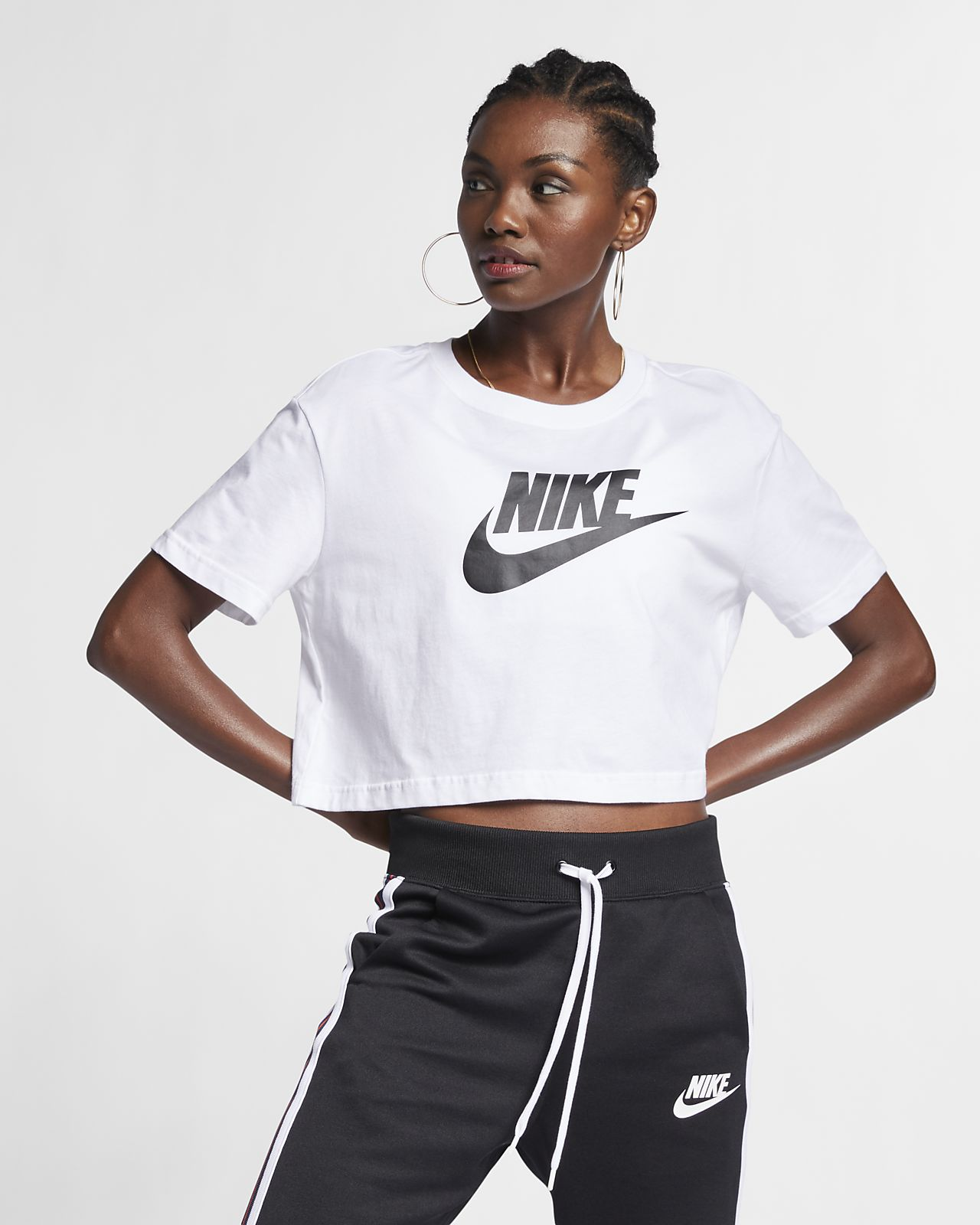 Nike Sportswear Essential Women's Cropped T-Shirt