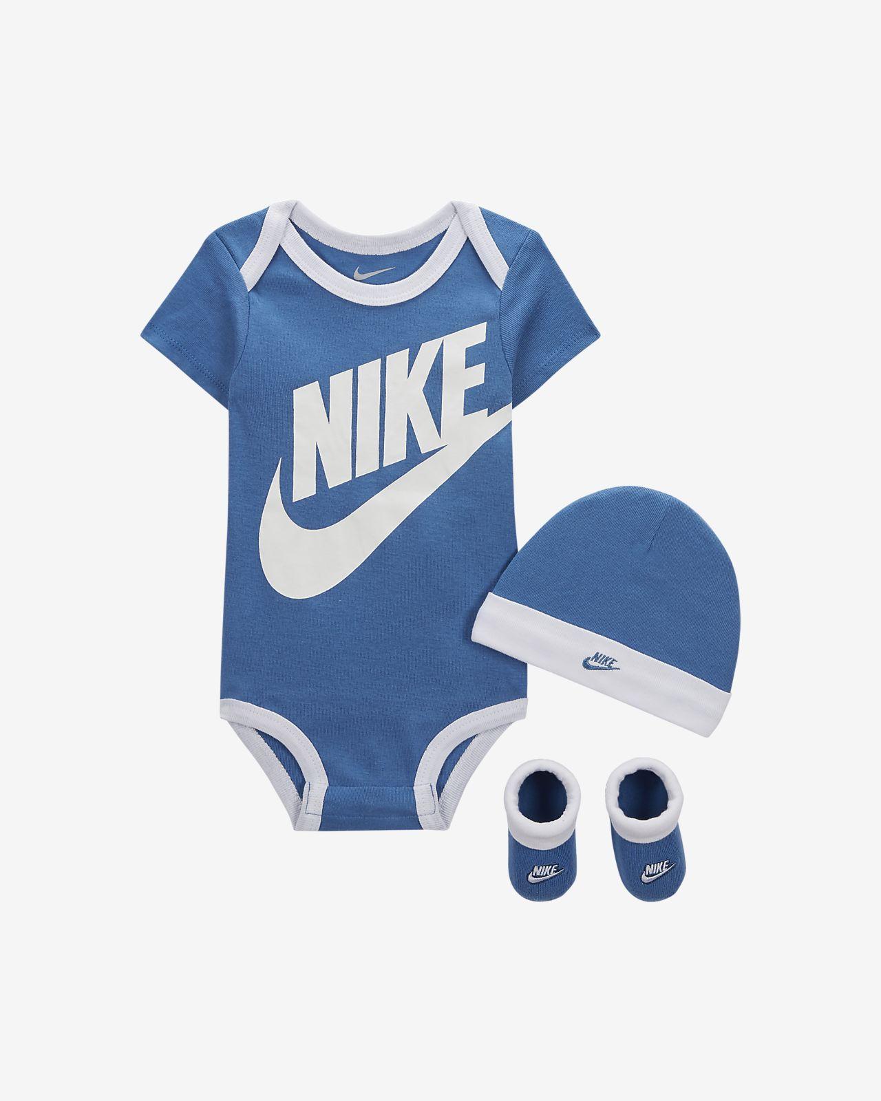 Nike-sæt i tre dele til babyer (0-6 M)